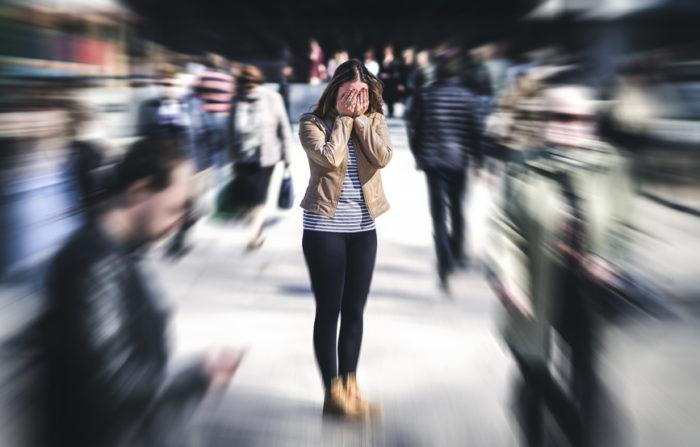 Erhöhter Stress, Hektik, sogar Panikattacken sind möglich, wenn einem alles zu viel wird.